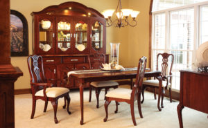 Regal Dining Set