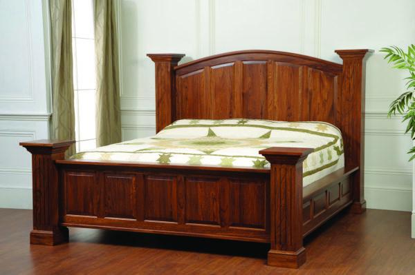 Pillared Master Bed