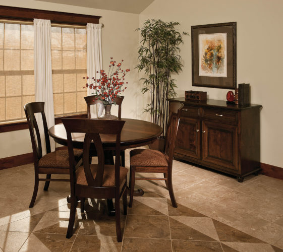 Amish Chancellor Single Pedestal Dining Room Set