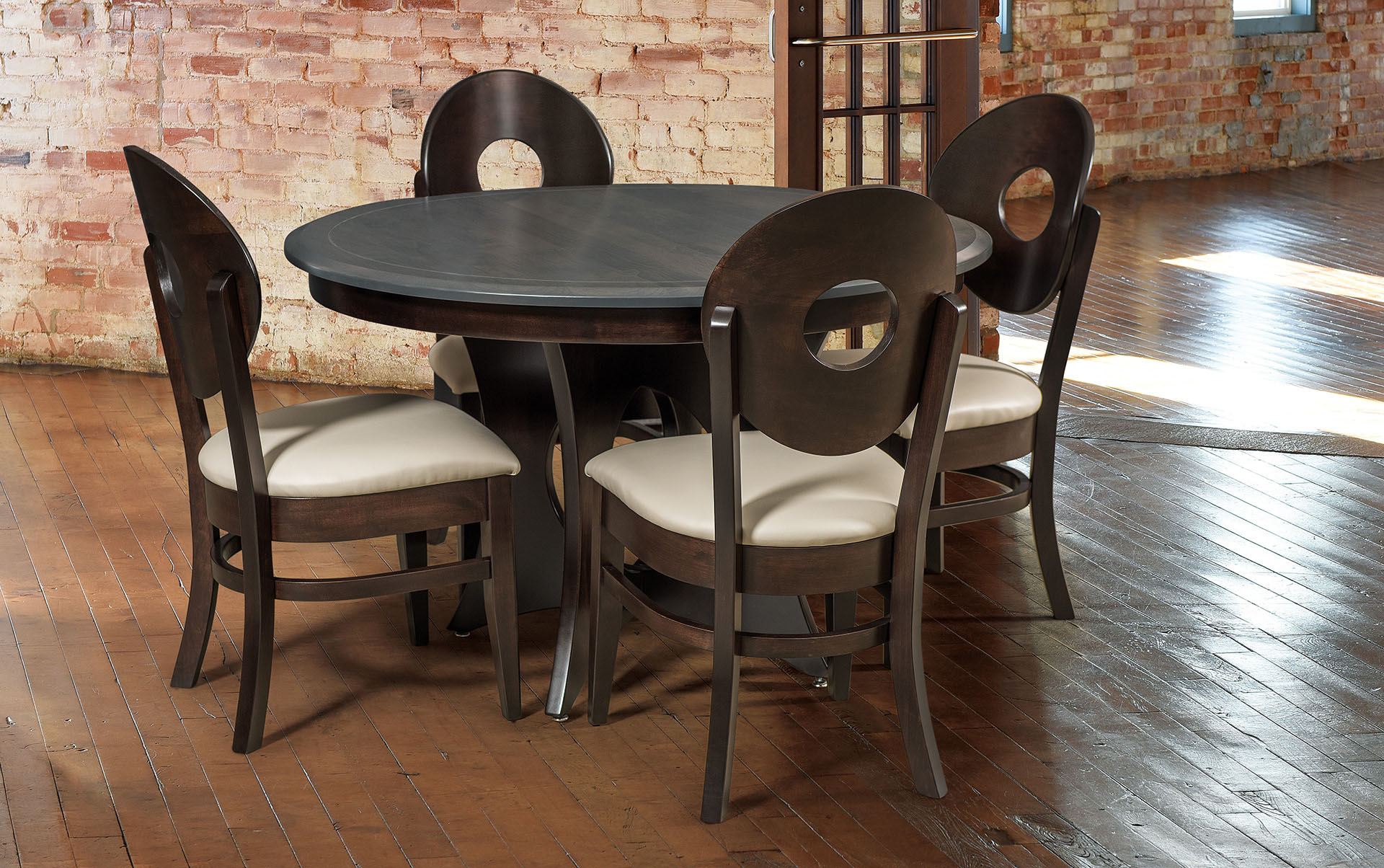 Bridgeport Amish Dining Table Set